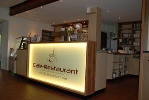 Caf´ße Restaurant