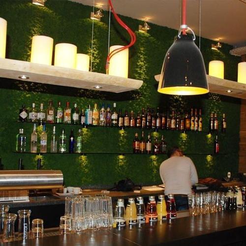 Bar mit Schankanlage